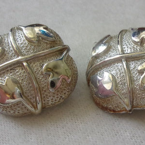 Coro clip on silver tone leaf earrings vintage